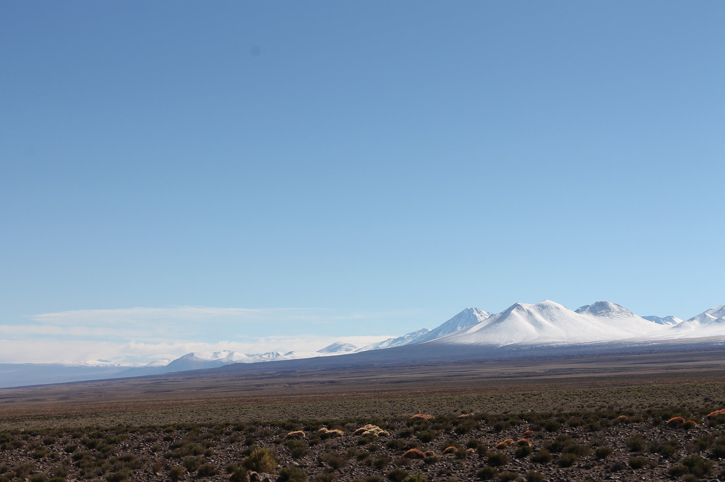 El Pueblo Atacameño: Milenios de Cultura, Desierto y Montañas